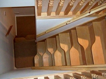 Brilliant Stair Design Ideas For Small Space 13