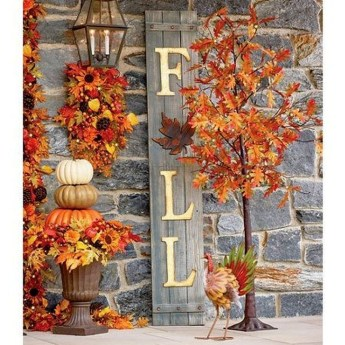 Easy And Simple Fall Garland Decoration Ideas 02