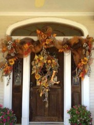 Easy And Simple Fall Garland Decoration Ideas 11