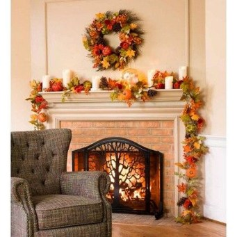 Easy And Simple Fall Garland Decoration Ideas 16