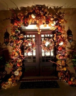 Easy And Simple Fall Garland Decoration Ideas 28