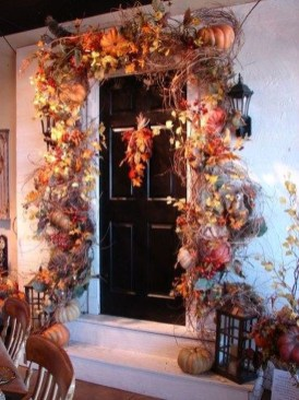 Easy And Simple Fall Garland Decoration Ideas 41