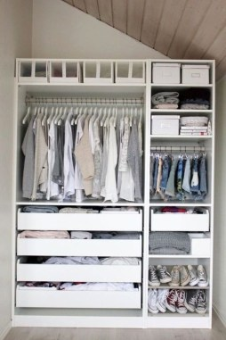 Elegant Wardrobe Design Ideas For Your Small Bedroom 36