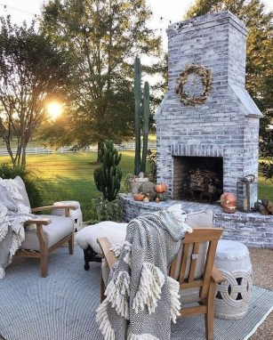 Fabulous Outdoor Seating Ideas For A Cozy Home 25