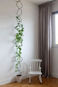 Inspiring DIY Vertical Plant Hanger Ideas For Your Home 07
