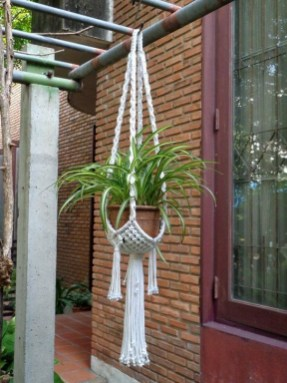 Inspiring DIY Vertical Plant Hanger Ideas For Your Home 16