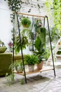 Inspiring DIY Vertical Plant Hanger Ideas For Your Home 17