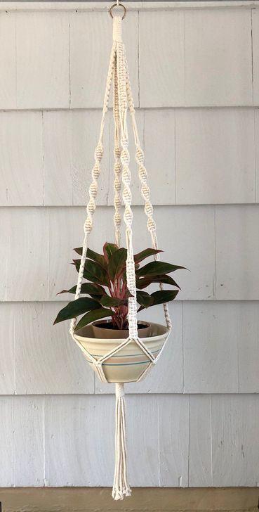 Inspiring DIY Vertical Plant Hanger Ideas For Your Home 44