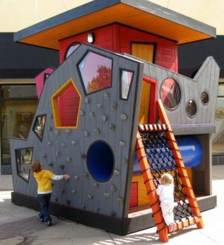 Marvelous Outdoor Playhouses Ideas To Live Childhood Adventures 22