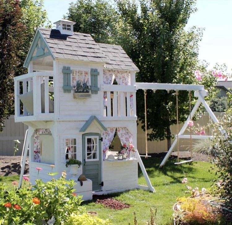 Marvelous Outdoor Playhouses Ideas To Live Childhood Adventures 30