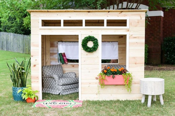 Marvelous Outdoor Playhouses Ideas To Live Childhood Adventures 32