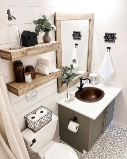 Smart Small Bathroom Organization Ideas For Bathing Comfort 23
