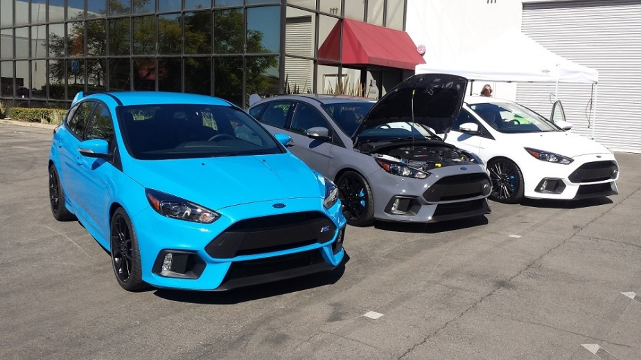 honda-tech.com review 2017 Ford Focus RS vs. Honda Civic Type R