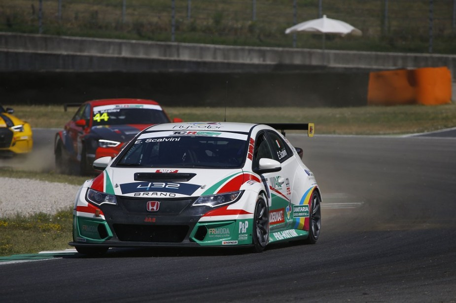 Honda-tech.com Honda Civic Type R racing in TCR Italy Series