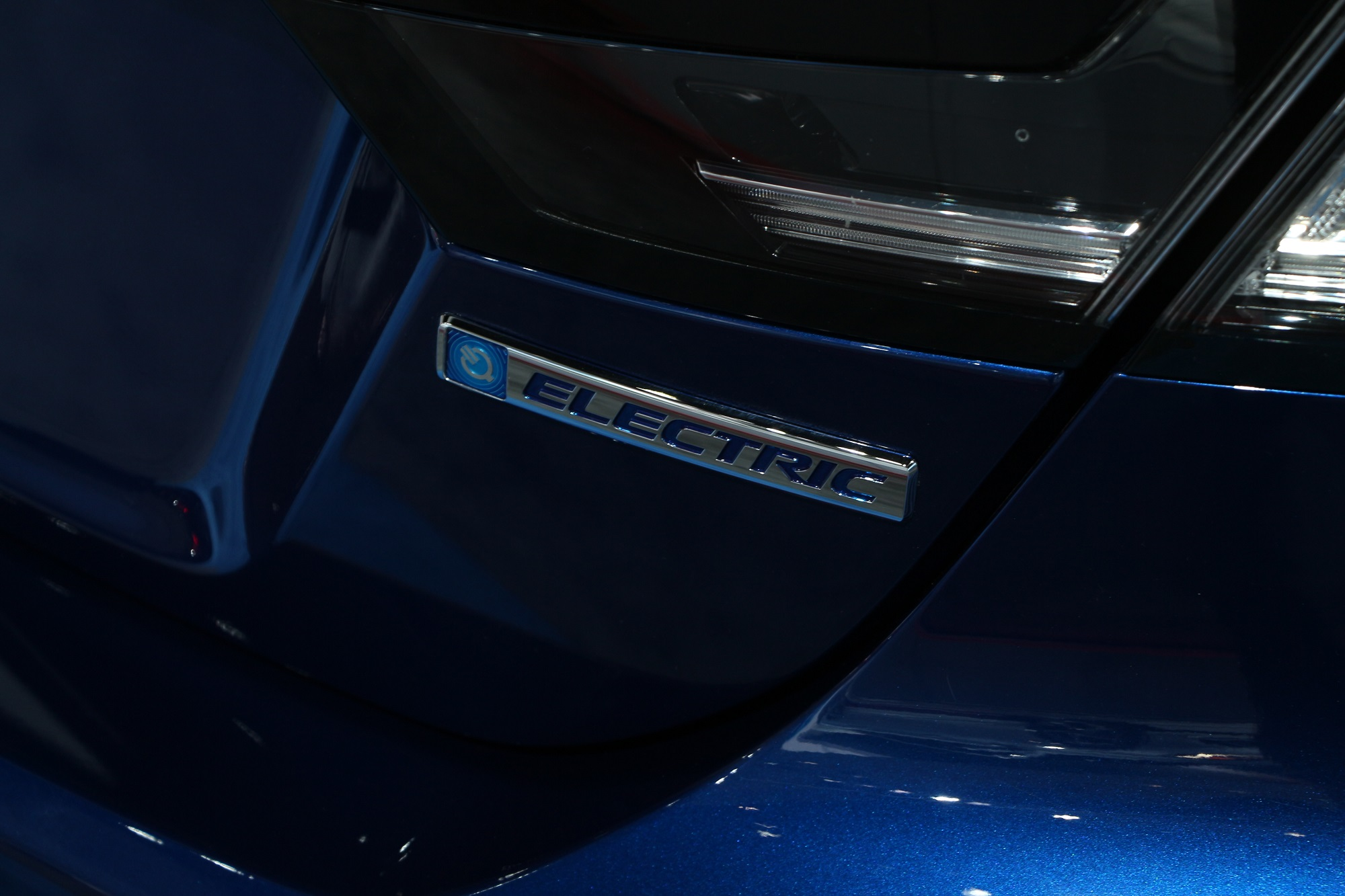 Honda-tech.com 2018 2017 LA Los Angeles Auto Show Honda Accord Civic Si Type R Odyssey Pilot CR-V HR-V Fit Sport FCX Clarity Hybrid Hydrogen Electric IndyCar