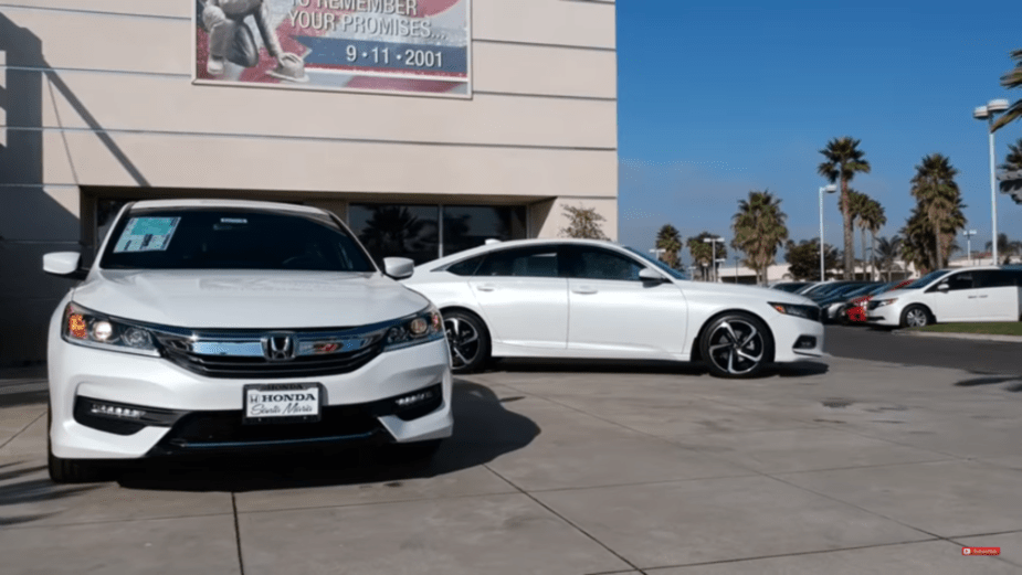 Honda-tech.co 2018 Honda Accord vs. 2017