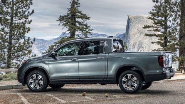 2021-Honda-Ridgeline-Hybrid-Design