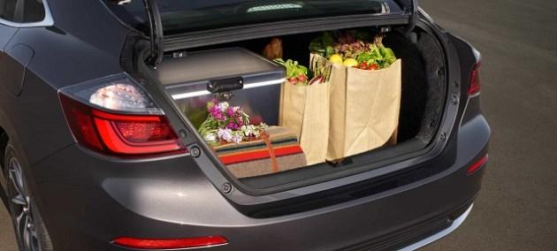 2021 Honda Insight Hybrid trunk