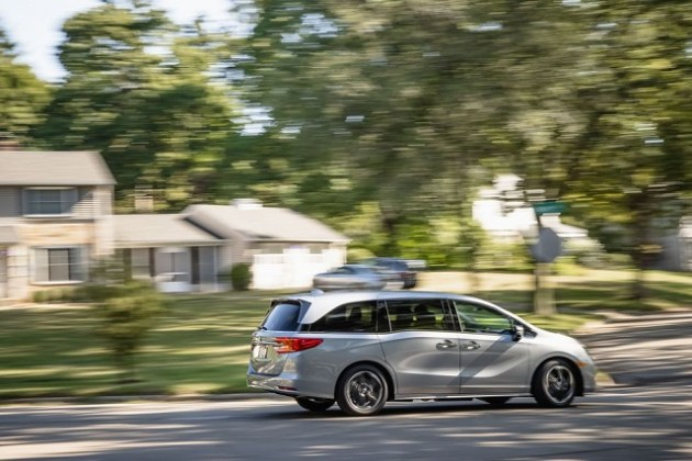 2022 Honda Odyssey Hybrid side