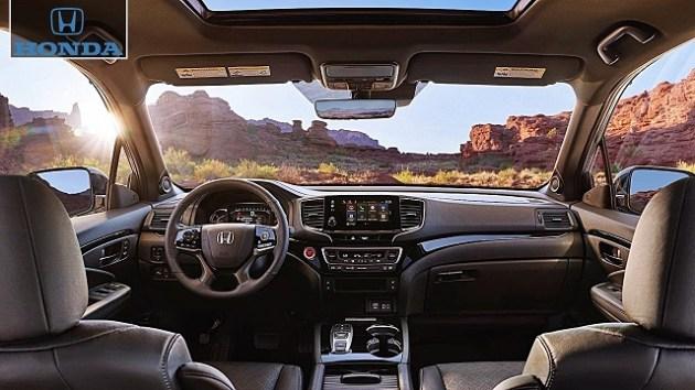 2022 Honda Passport Elite interior