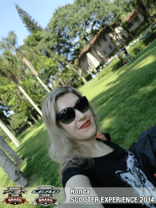 Karina Bueno (25)
