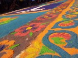 A floral alfombra viewed from a slightly different angle.