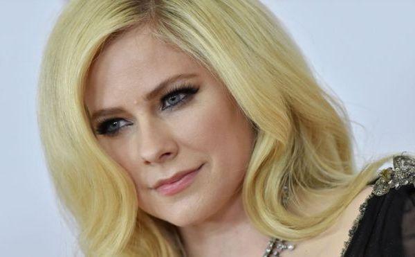"""""""Acepté la muerte"""": la conmovedora carta de Avril Lavigne a sus fans sobre su enfermedad"""