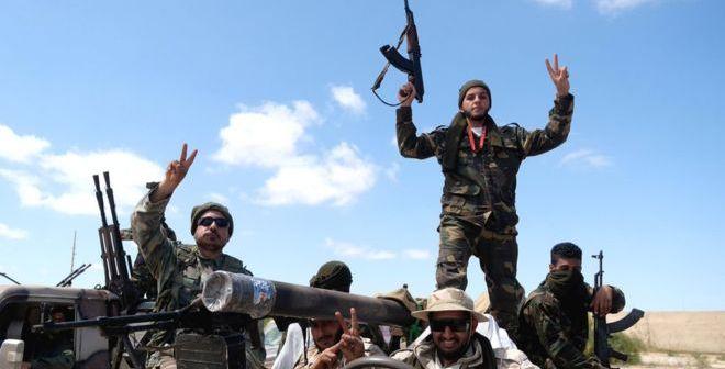 """Por qué Libia se ha convertido en un """"territorio sin ley"""" y qué papel tiene Occidente en el caos post-Gadafi"""