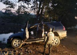 Decomisan fuerte arsenal dentro de vehículos en Copán