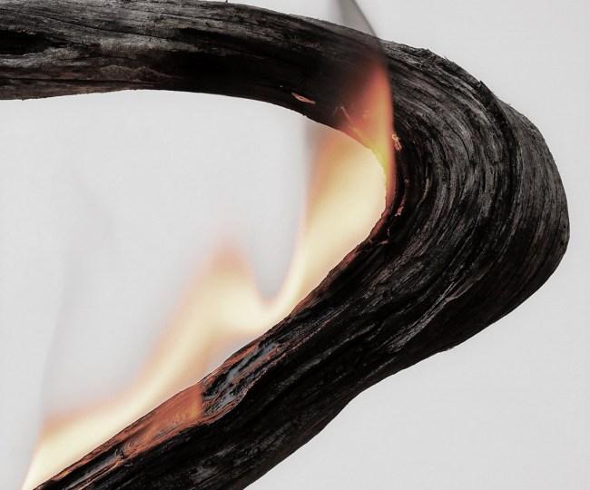 Shou sugi ban technique japonaise moderne design bois brûlé