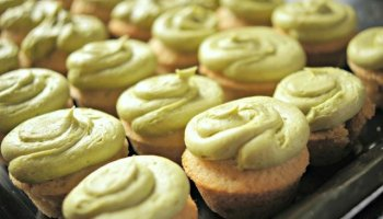 recipe: easy green tea cupcakes [27]