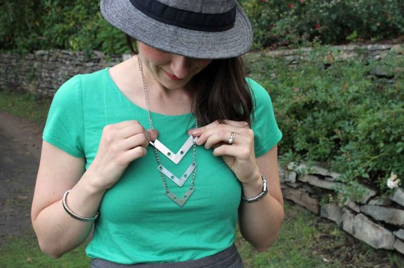 4395necklaceon
