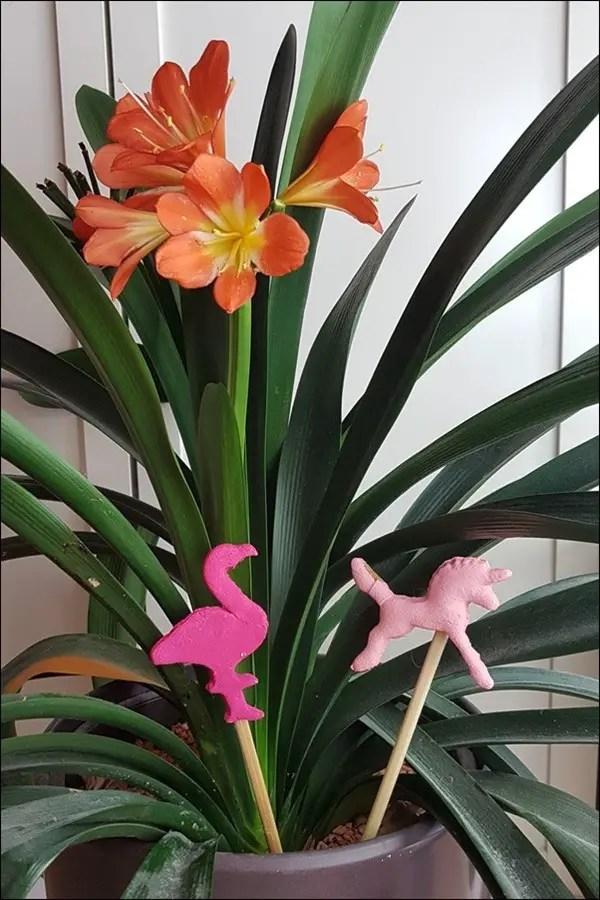 Blumendeko aus Salzteig - Einhorn und Flamingo