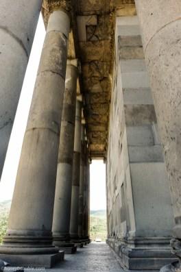 side_columns_of_garni_temple