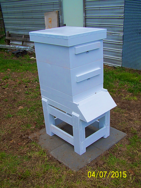 Homebuilt-hive-and-stand-David-Manning