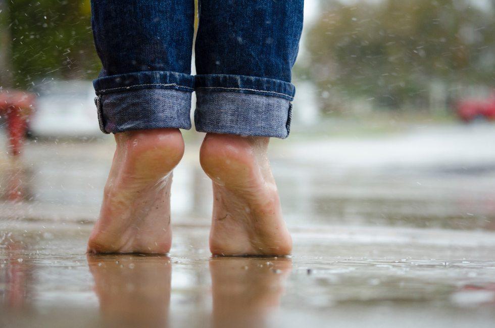 barefoot-feet-macro-105776