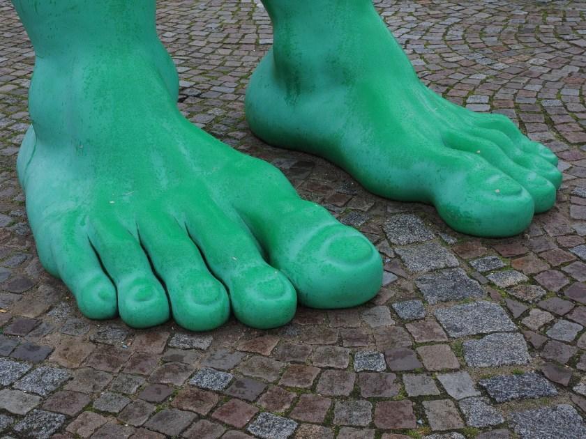 feet-2851038_1920
