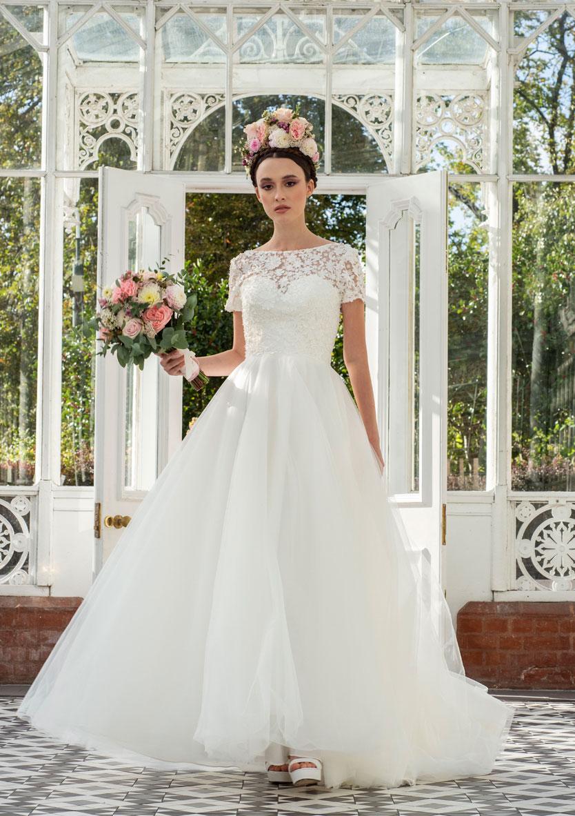 Freda Bennet Jenna bridal gown