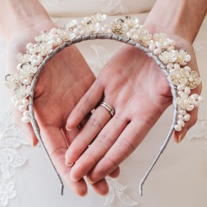 Floral and pearl bridal crown - Rhea