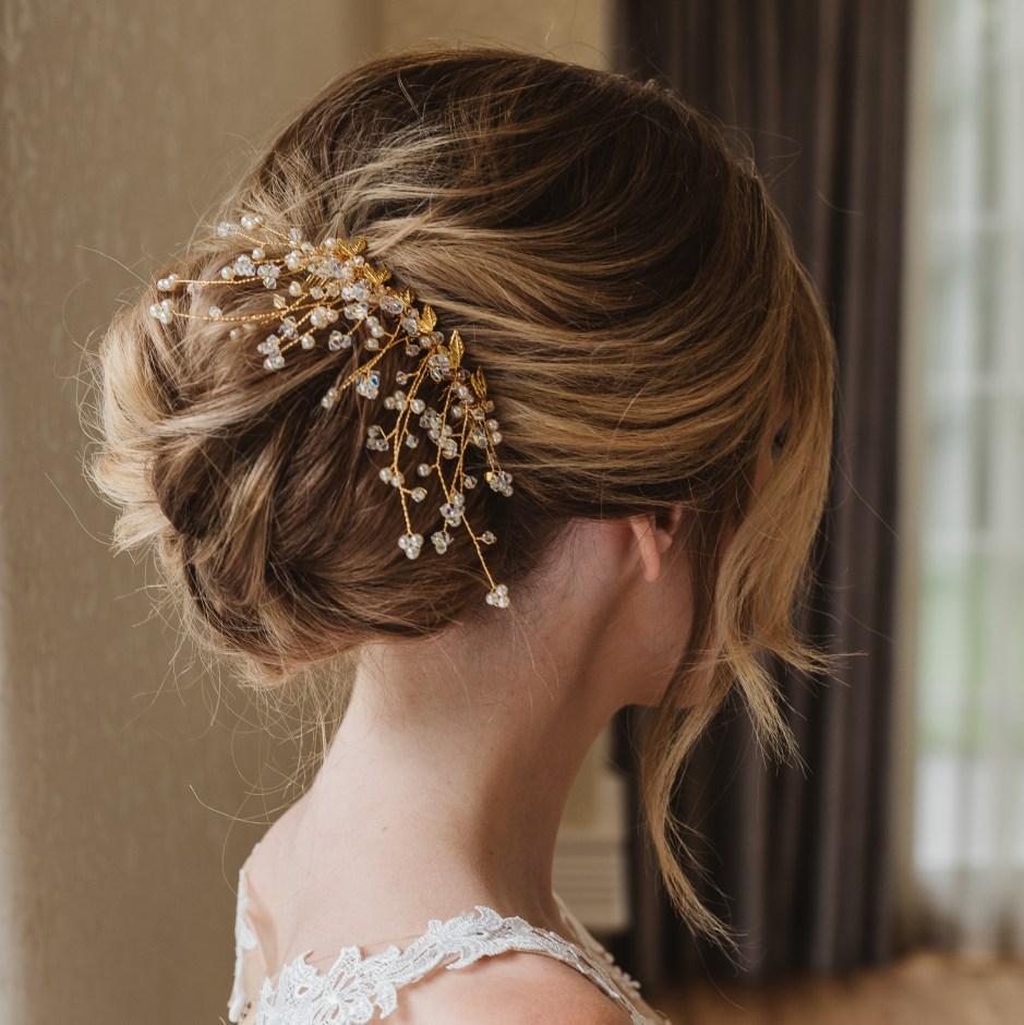 Gold-and-Swarovski-crystal-bridal-hair-comb-Aura
