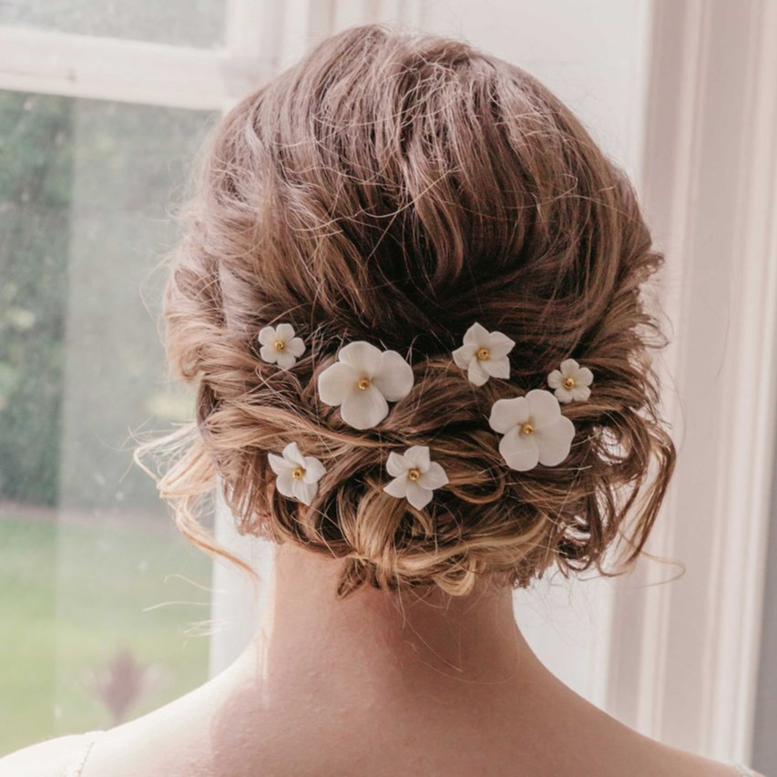 Rachel Chaprunne gold and white floral hair pins - Elodie