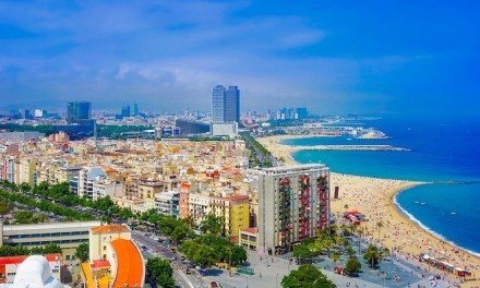 Top 5 Reasons to Honeymoon in Barcelona Spain