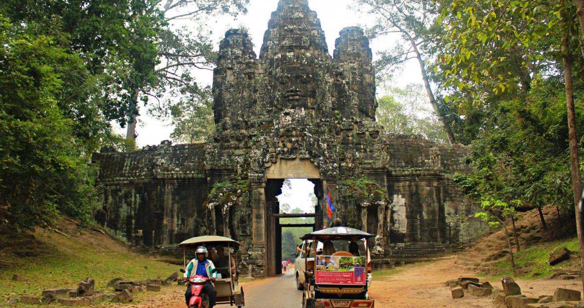 honeymoon angkor watt cambodia