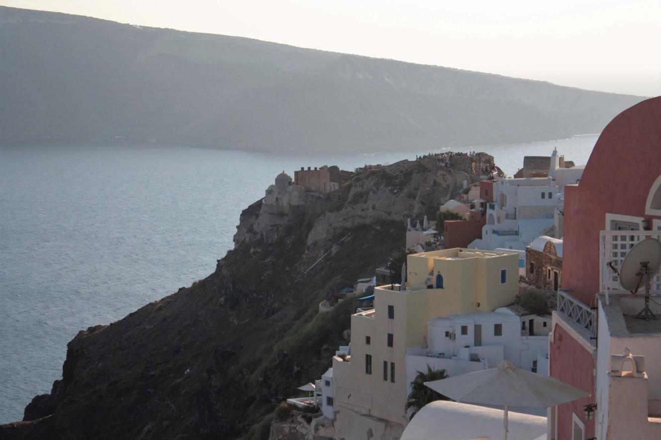 Château à Oia Santorin sur le bout de la falaise