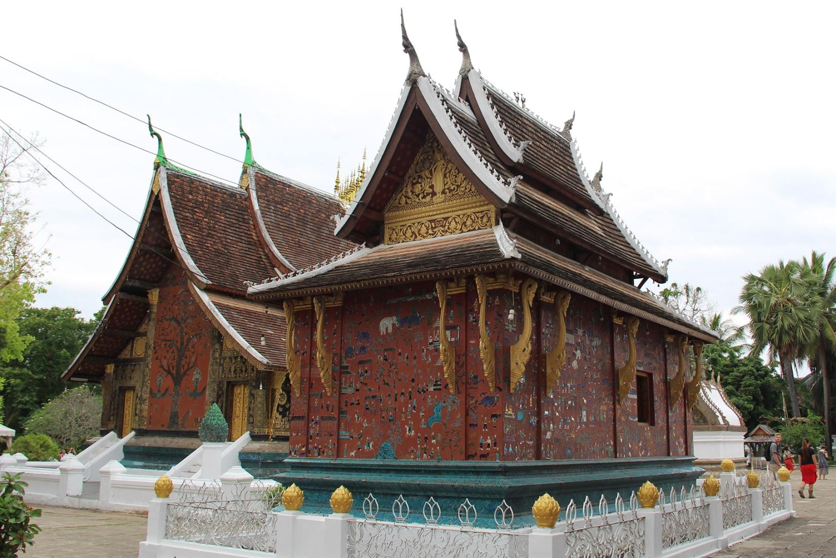 Due cappelle decorate nel Wat Xieng Thong