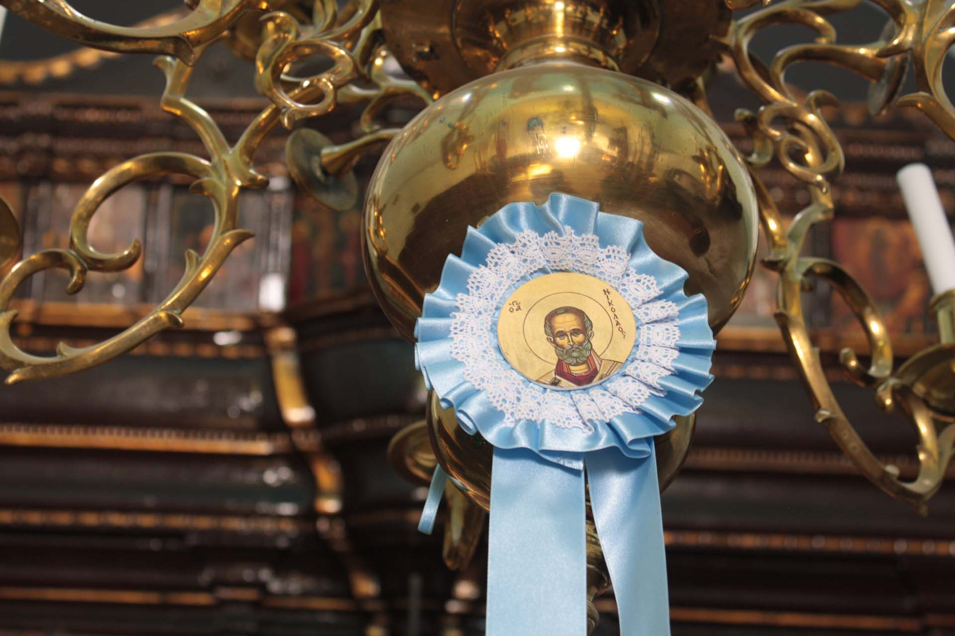 Image d'un saint à Santorin cocarde bleue clair