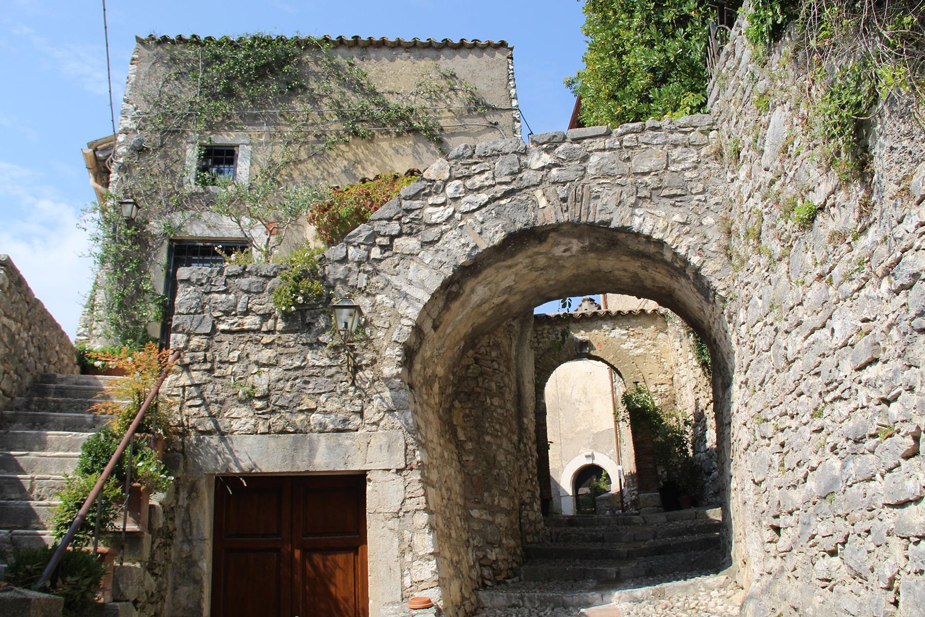 Arch Borgo di Labro
