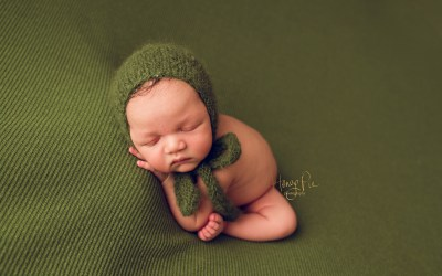 Sussex Baby Photography | Theo 10 days old