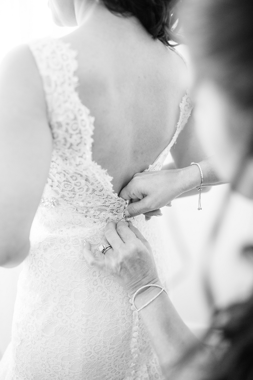 Romantic vineyard wedding at Valley Roads Vineyard in Afton, VA. Photographed by Katherine Zell Photography. | Honeysuckle Brides: A Southern Wedding Blog
