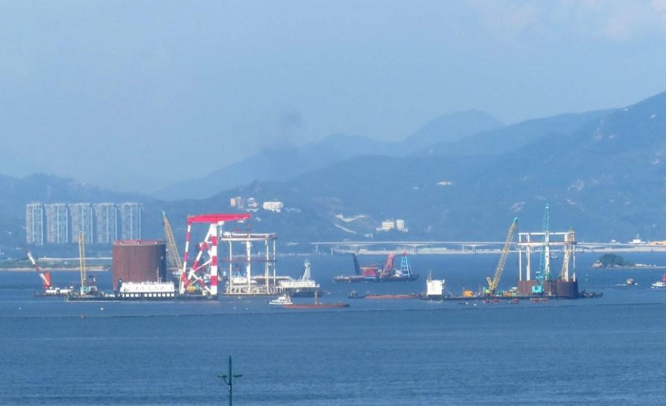 Artificial island for border facilities